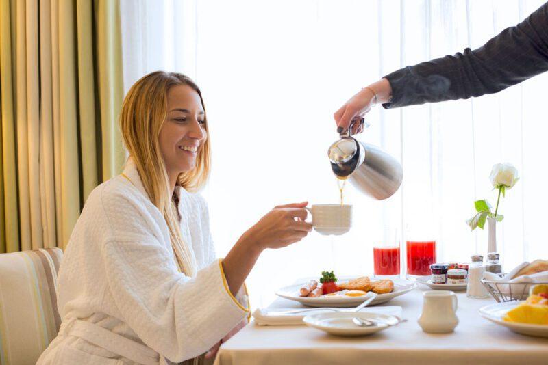 Servicio de habitación, una manera de darle una estadía agradable