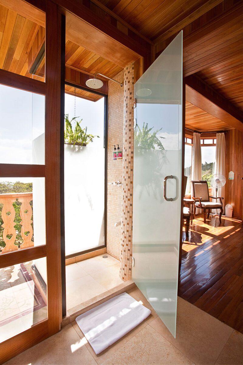 Baño en Hotel Belmar, Monteverde