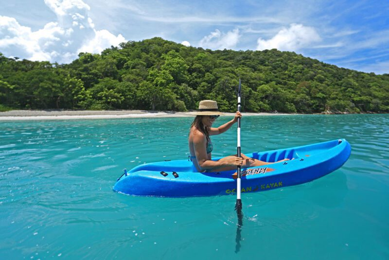 Somewhere in the pacific: turquoise water and lush forest   Costa Elena