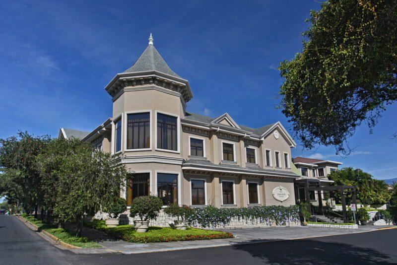 Fachada del hotel en la mañana - Grano de Oro Hotel   Cayuga Collection