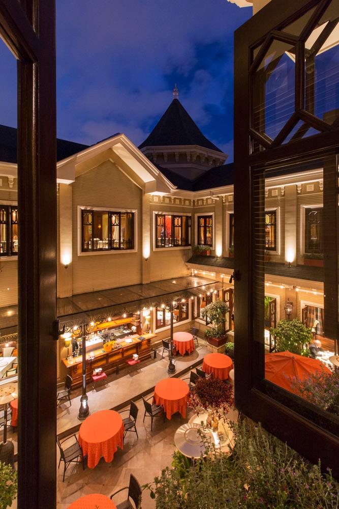 Interior façade at night - Grano de Oro Hotel | Cayuga Collection