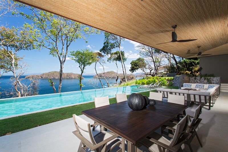 All about the view, blurred lines between interiors and exteriors, brings the landscape into the house - 8 Monos | Peninsula Papagayo