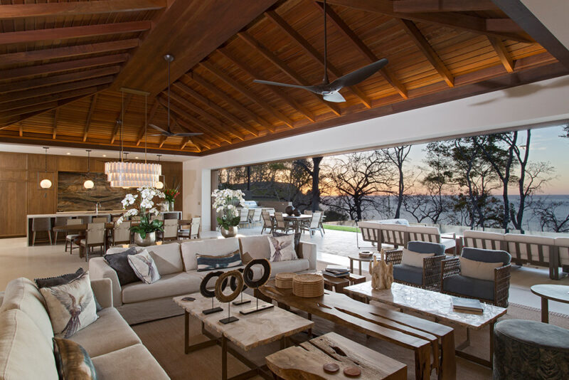 Kitchen, living and dining room altogether, give a welcoming feeling - 8 Monos | Peninsula Papagayo