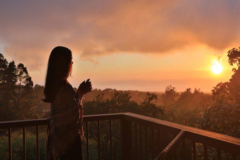 Golden hour at the balcony - Senda Monteverde | Cayuga Collection